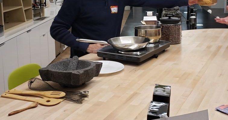 Bringing Ecuador & cacao bean roasting to October's DC chocolate society meeting
